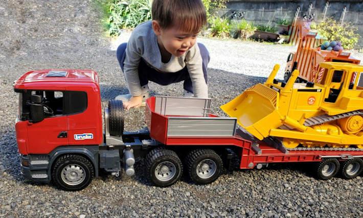 SCANIAトラック&CATブルドーザー セット ブルーダー