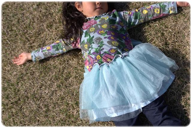 韓国子供服  レトロ花柄ワンピース